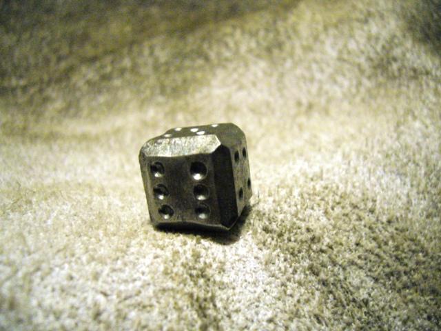 Ručně kovaná hrací kostka